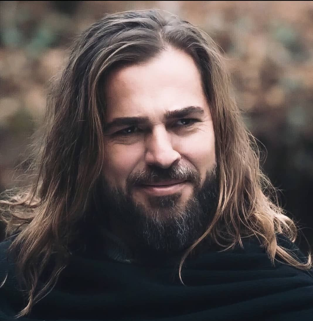 Ertugrul 100 Articles And Images Curated On Pinterest In 2020 Turkish Actors Esra Bilgic Beautiful Series
