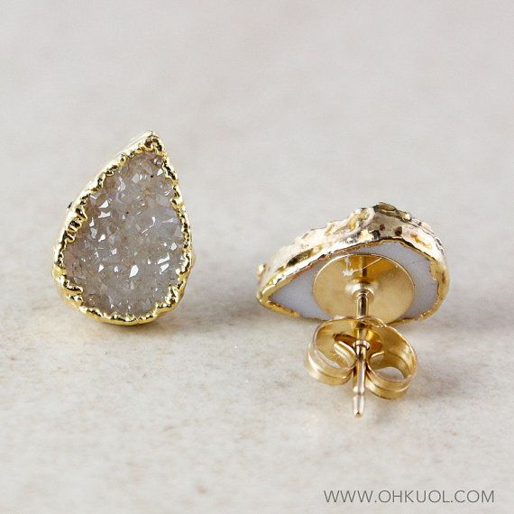 Here is a listing for one pair of versatile, sparkly golden vanilla druzy post earrings. Each druzy stone takes on an elegant teardrop shape and is gold