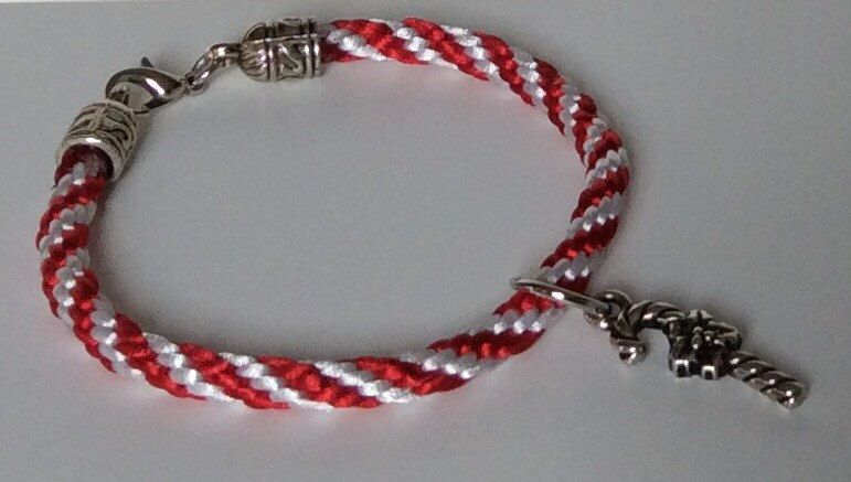 Red & White Striped Candy Cane Braided Kumihimo Bracelet, Candy Cane Bracelet, Stackable Bracelet, Christmas Bracelet, Holiday Jewelry, Cute by CreationsByLacieK on Etsy