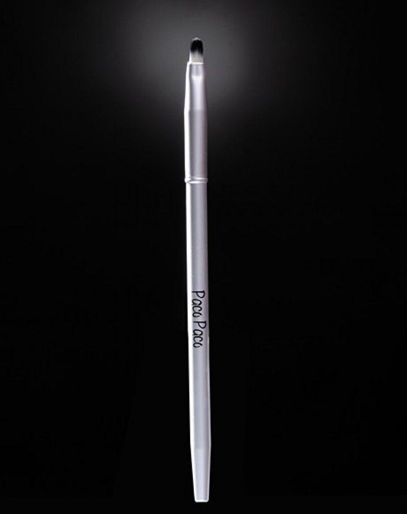CARMINA Pincel para aplicación labial de punta redondeada. Filamento liso ø 0,07mm