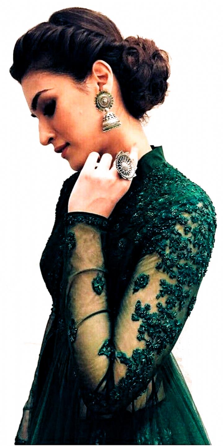 Hairstyle Lehenga Low Buns In 2020 Black Women Hairstyles Indian Wedding Hairstyles Indian Hairstyles