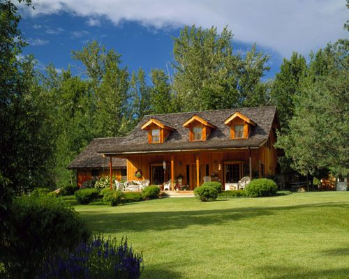Lindal cedar homes worldwide manufacturer of post and for Lindal log cabin homes