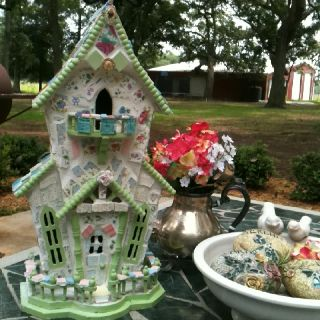 I have that exact birdhouse. Now all I have to do is mosaic it.