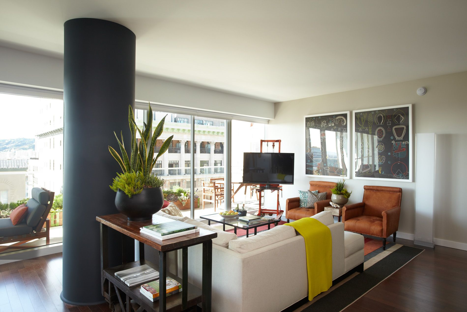 "Green + Vine W Hollywood Hotel and Residence. Check out the U18 ""Raw"" rug!"