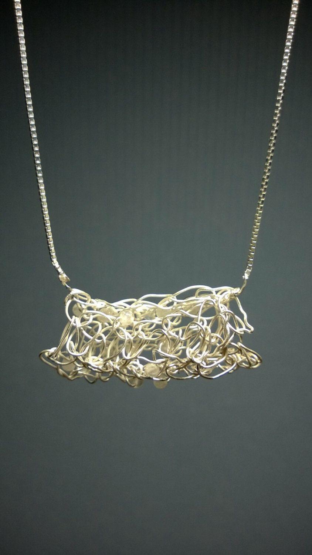 Zilveren collier met gehaakte hanger met rozenkwarts door StellaMarisCreative op Etsy