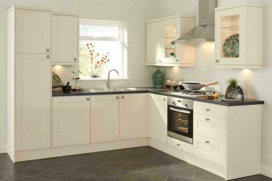 Decorations Accessories White Zen Kitchen Decor Ideas With Simple Plain Kitchen Cabinet Set
