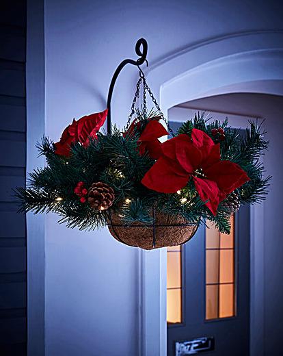 Christmas Pine Lit Hanging Basket J D Williams Decoracion De Navidad Decoracion De Unas Navideno