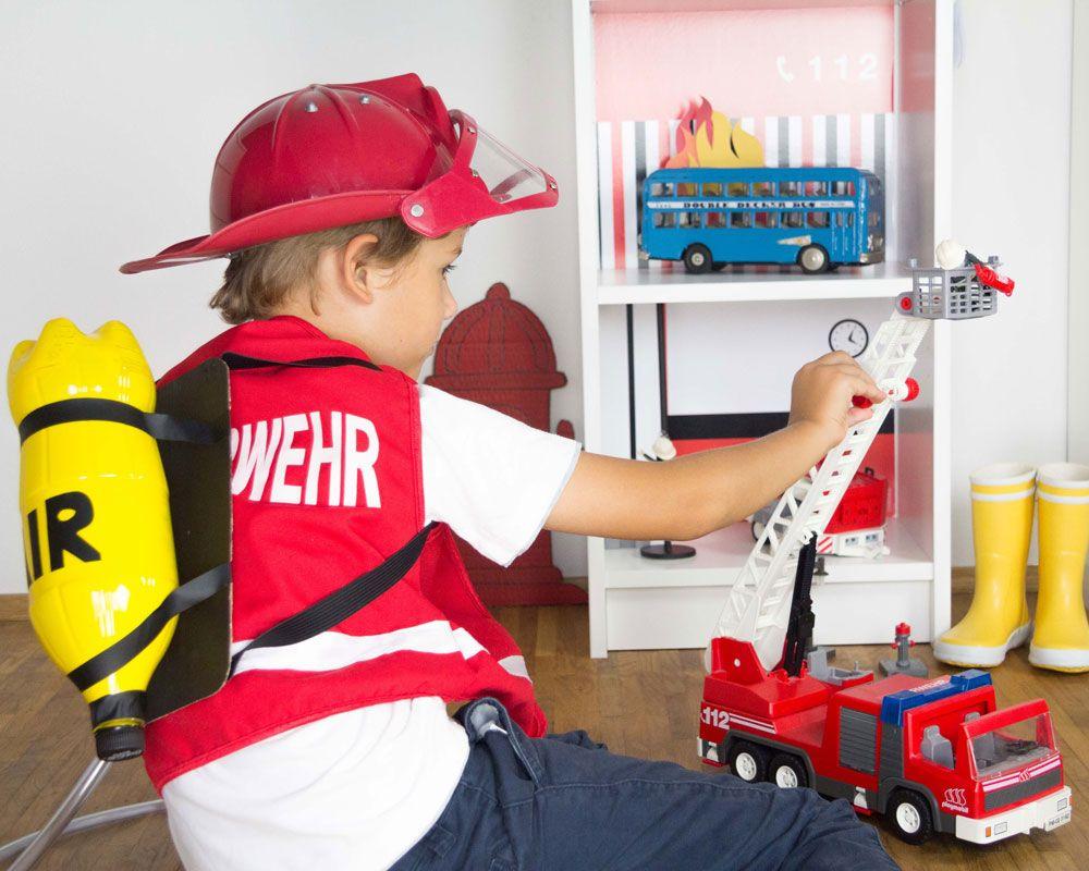 Kinderkostume Selber Machen Feuerwehrmann Feuerwehr Geschenke Regal Kinder Kinderkostum Selber Machen