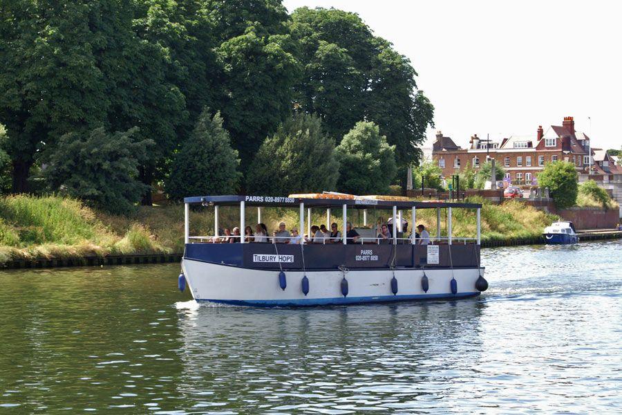 2f7932a715b2f653c963af7947967b99 - Thames River Boat To Kew Gardens