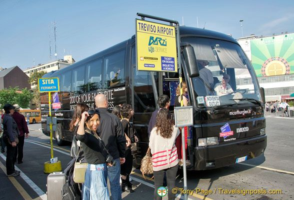 How to Get to Noventa di Piave Designer Outlet on the Shuttle.