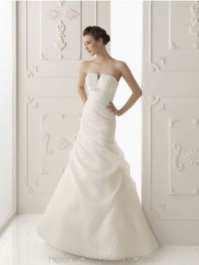 Awesome Strapless A-line Floor-length Ruched Chapel Wedding Dresses 2012 Popular