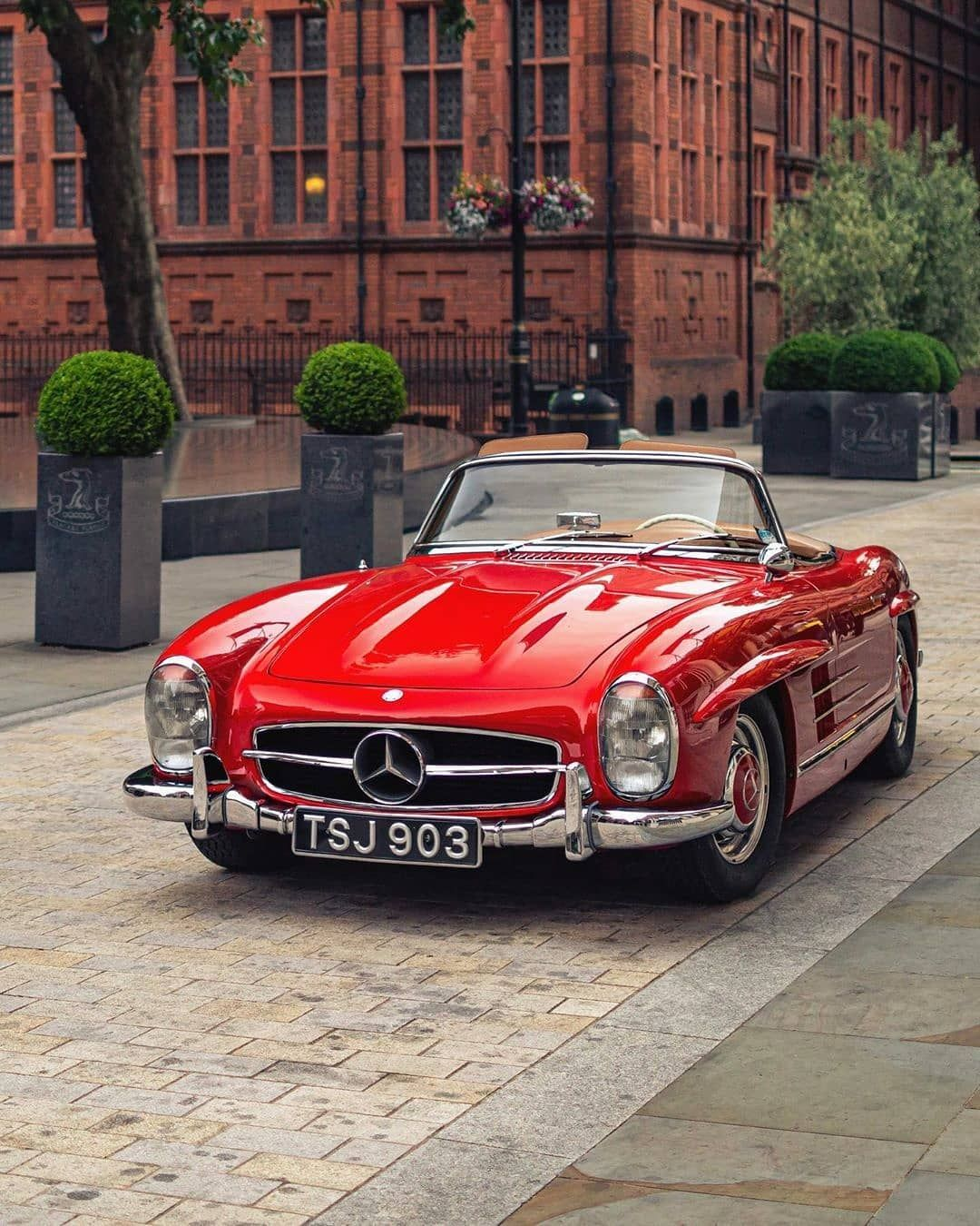 "@iamoctoberman on Instagram: ""Beauty in red. Classic Mercedes 300SL from @horsepower_hunters  #MercedesBenz #300SL #ThrowBack #HorsepowerHunters #London #germandesign…"""