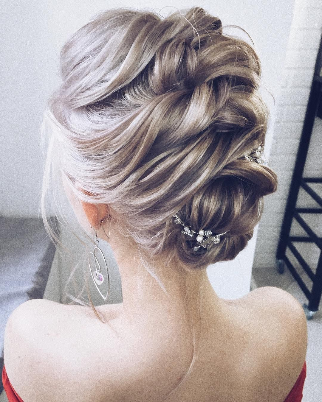 51 Romantic Wedding Hairstyles: The Most Romantic Bridal Half Up Wedding Hairstyles