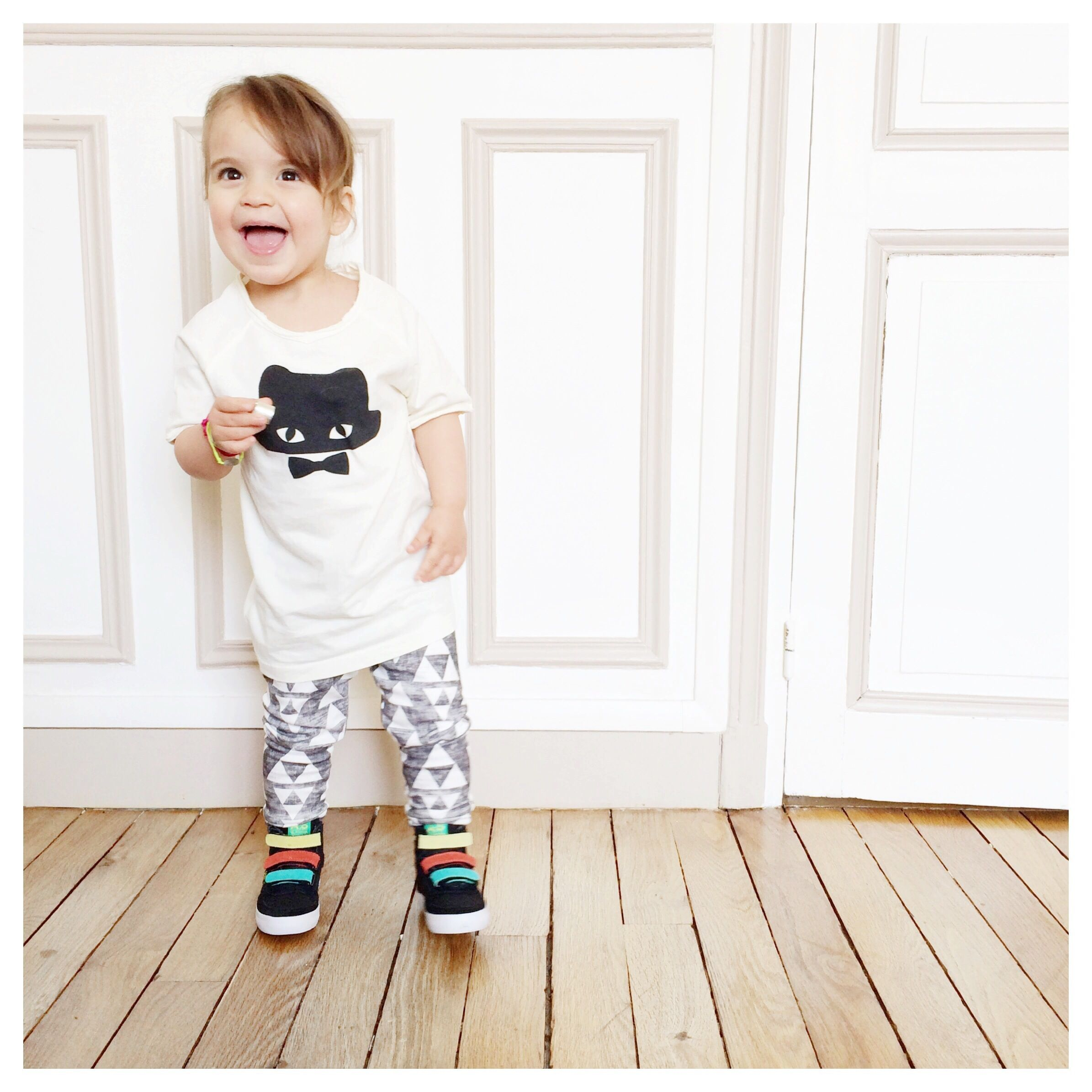 Adorable outfit worn by little India <3 #emileetida #diapersandmilk #feiyue #french #childrensclothes available @French Blossom
