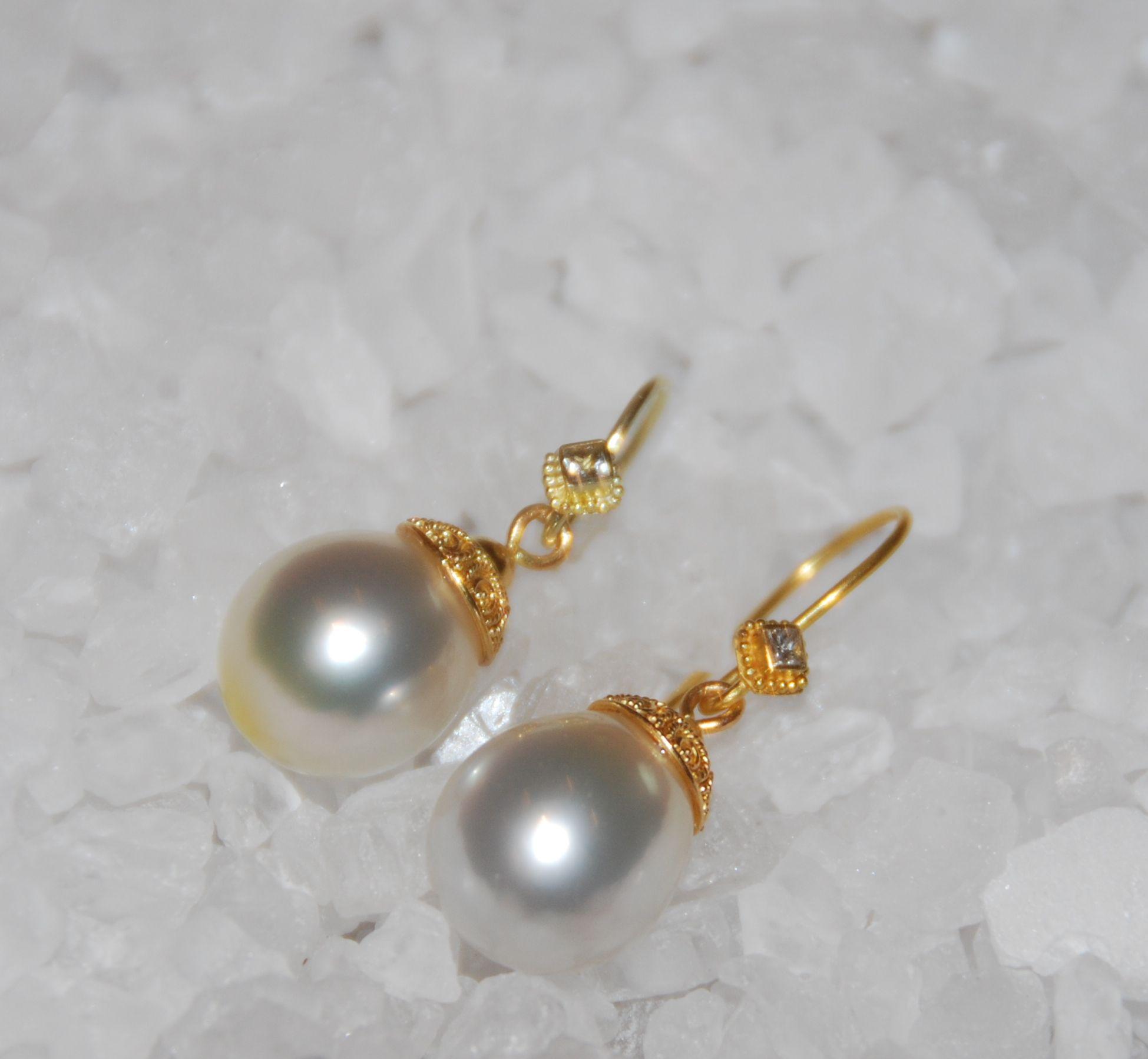 www.studiojacs.com 14 carat gold with diamond and pearl earrings