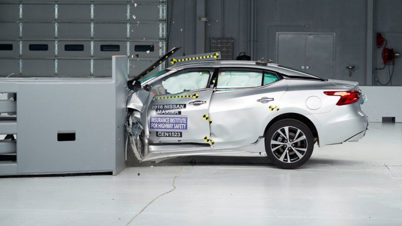 The Insurance Insute For Highway Safety Publishes Some Of Most Influential Rankings New Vehicles This Year Iihs Bestowed 48 Models With