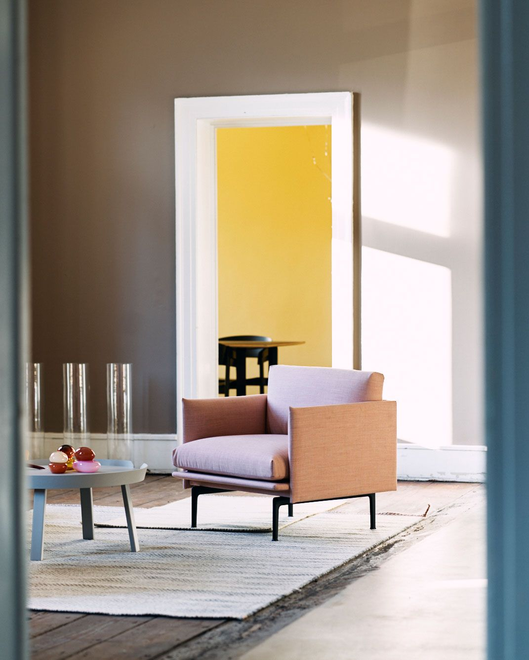 Scandinavian Living Room Lounge Chair Inspiration From Muuto The Outline Series Adds New Perspectives To The Classic Scandinavian Design Sofas Of The 1960 S