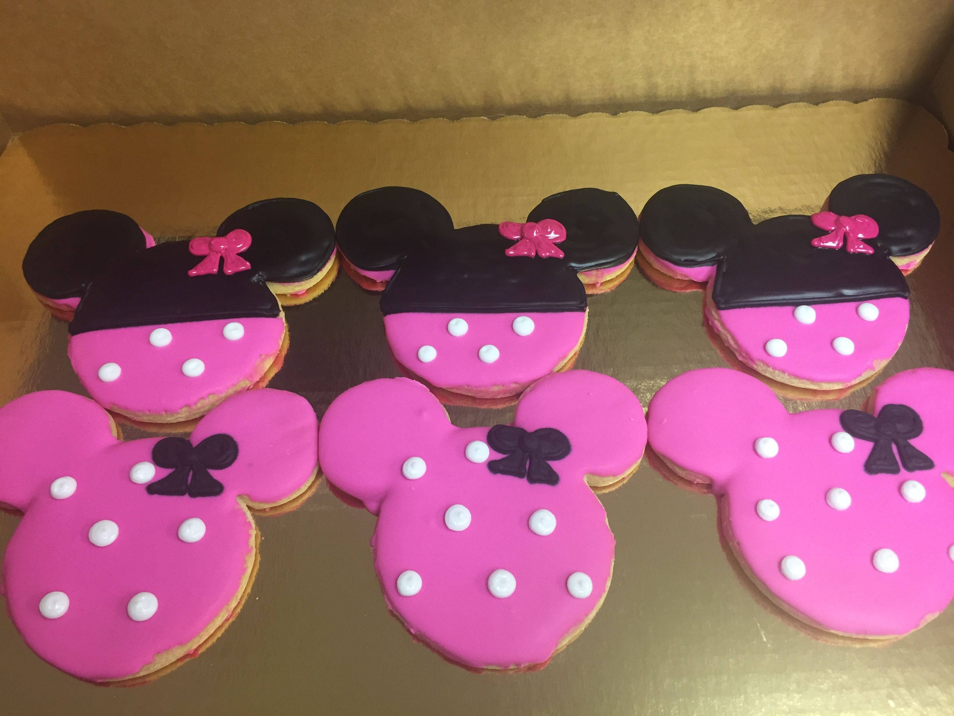 Minnie Mouse Cookies | Cakes by Lauren at Alessi Bakery | Pinterest ...