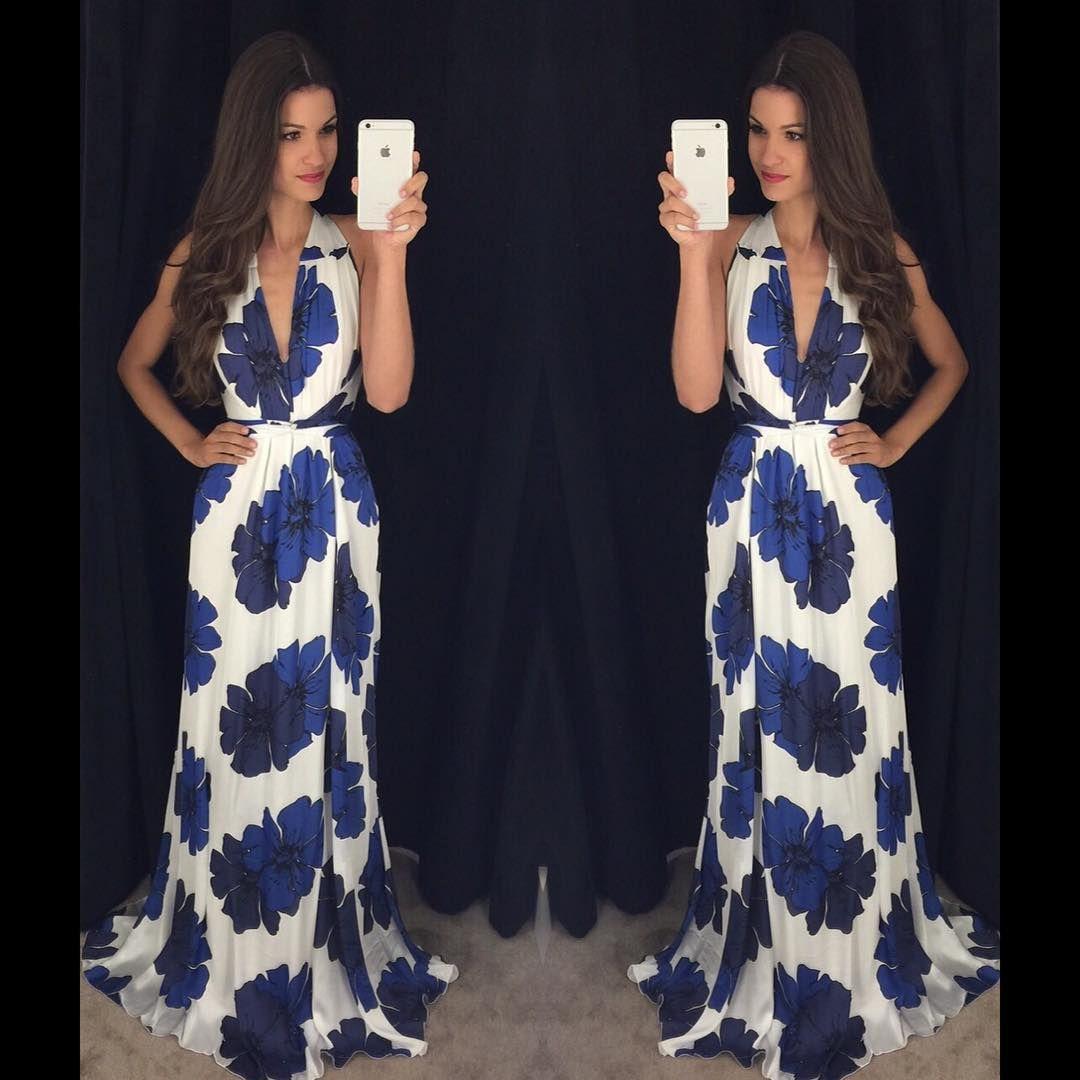 """""""Girls ❤️ Como não enlouquecer com esse vestido  longo que chegou por R$ 379,00  Vestido amarração flores azuis  Estamos enlouquecidas !! Compre agora…"""""""