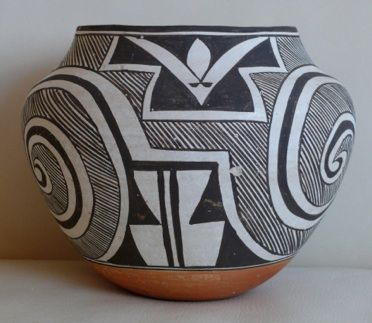 Large Acoma Pueblo Polychrome Olla by Acoma Mary Histia