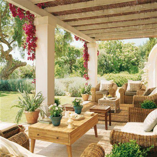 Tres porches para una casa porches crear y casas for Porches para patios
