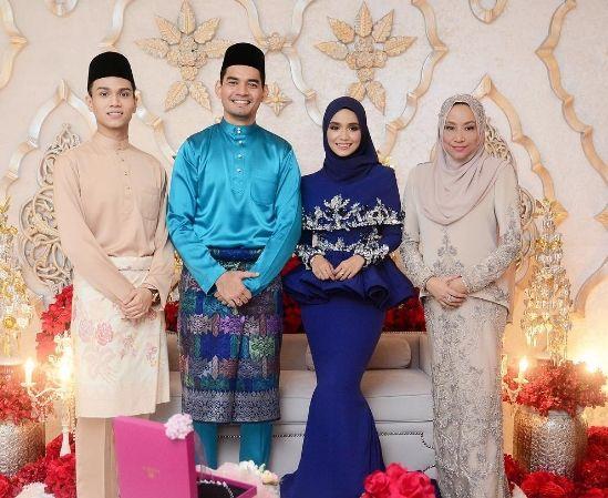 0083 Kad Kahwin Floral Kad Jemputan Kahwin Floral Wedding Invitation Wedding Invitations Floral Wedding Floral Wedding Invitations