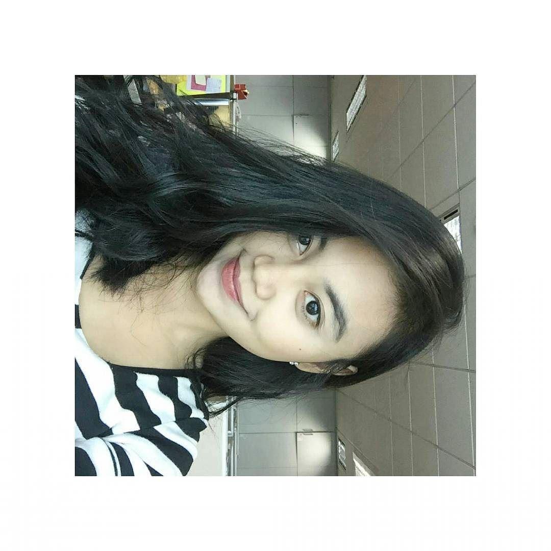 udah lama ga upload foto selfie (tapi miring)  . . . . #vsco #vscocam by akmaliye
