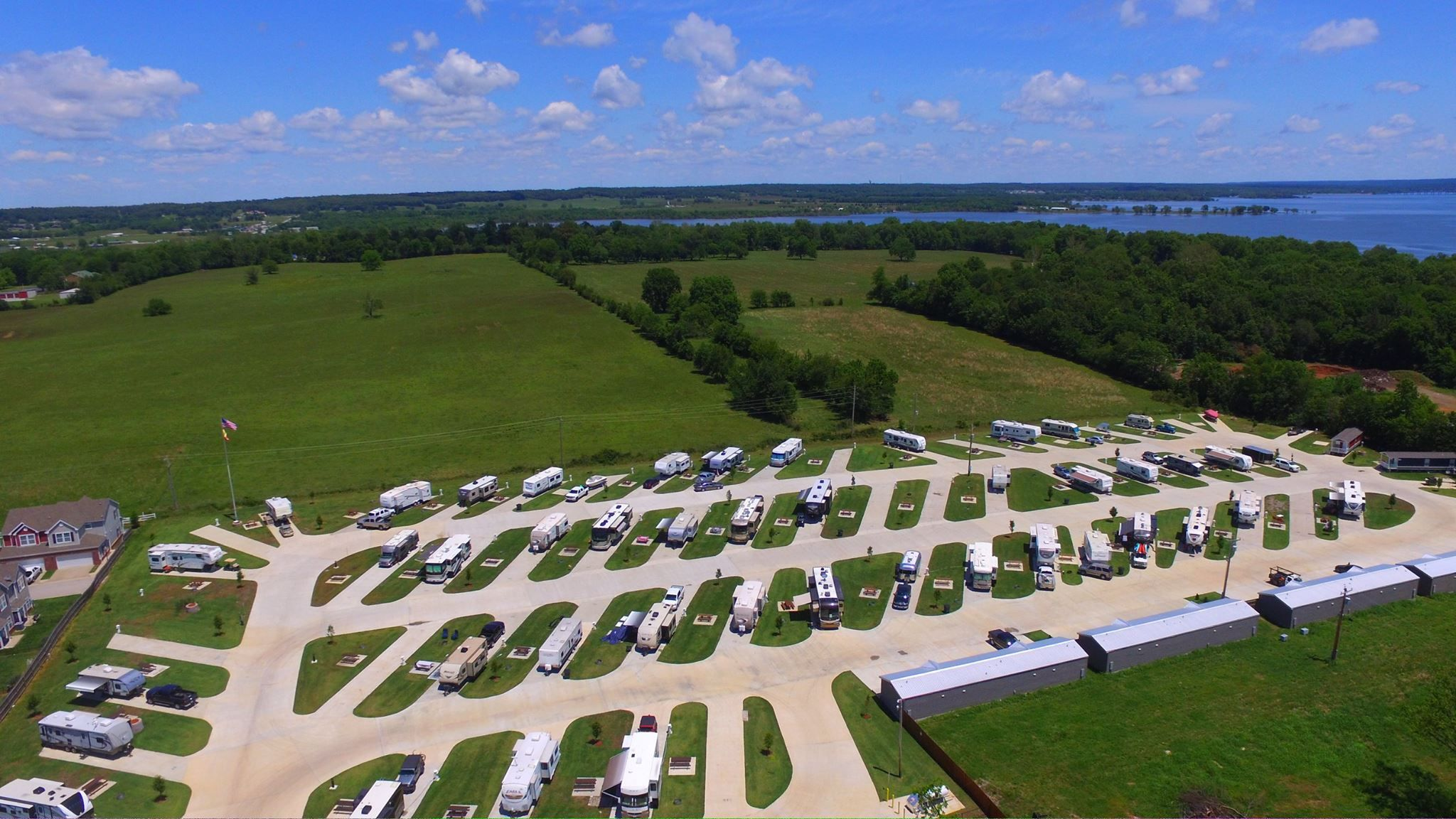 Discover the perfect spot for your next grand lake rv