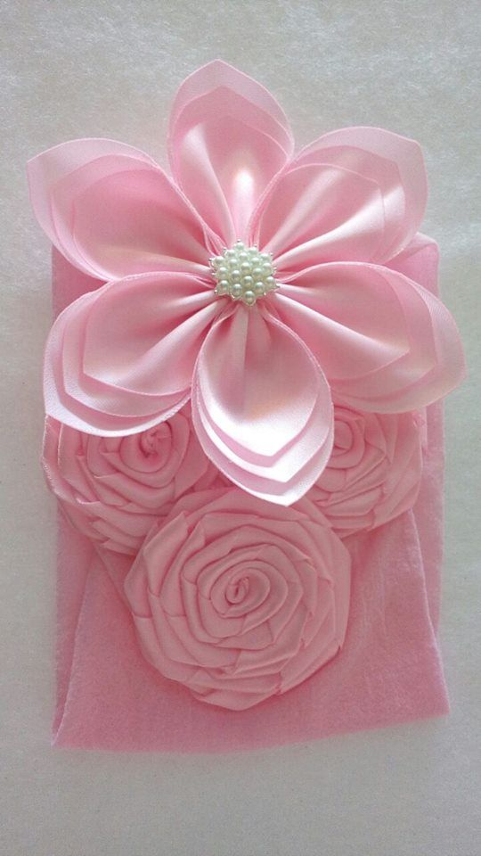 Diadema Rosa Con Centro Circulo De Perlas Artesanías De Cinta Moños De Lazo Artesanías De Flores