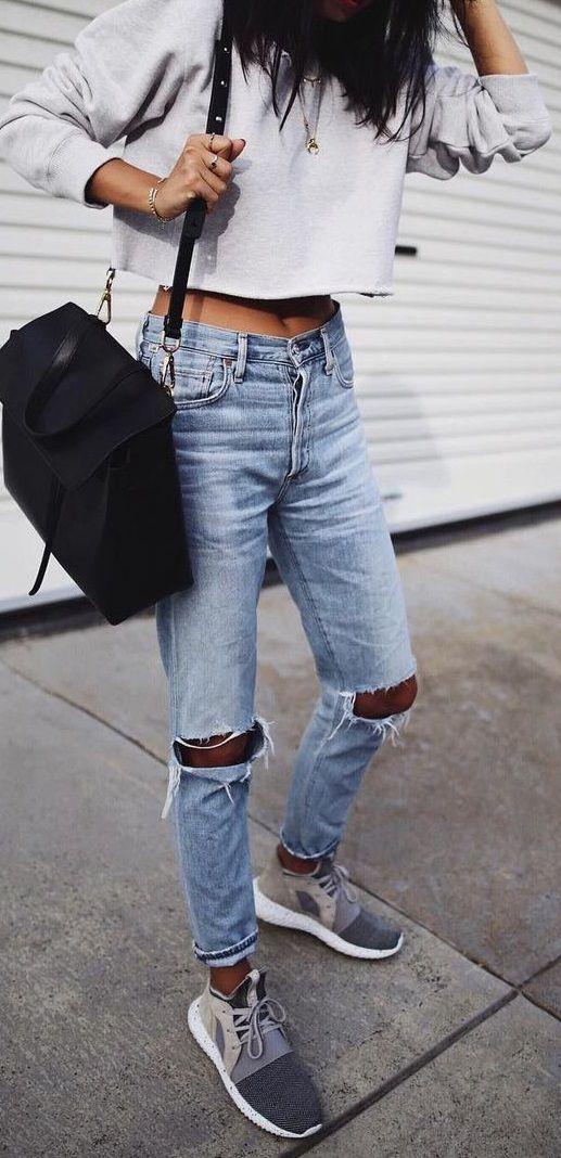 f7a35e7d0e3 crop sweatshirt. ripped jeans. sneakers.