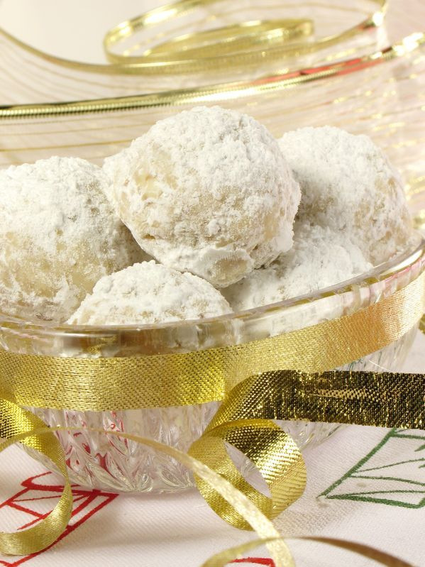 Christmas Snowball Cookies by Bakerette.com (wedding cookies ...