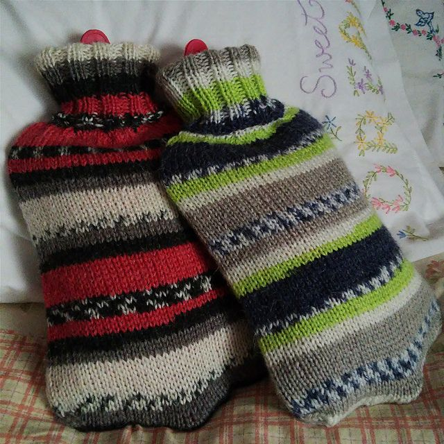cozy christmas *pattern: simple hot water bottle cover* *yarn ...