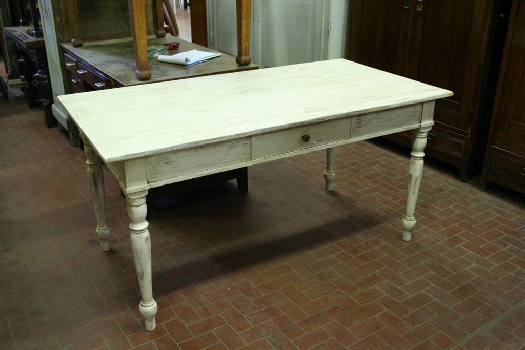 Tris tavolini legno tavolo tavolo shabby chic bianco provenzale. Tavolo Provenzale Decapato Tavolo Idee Per Decorare La Casa Tavoli