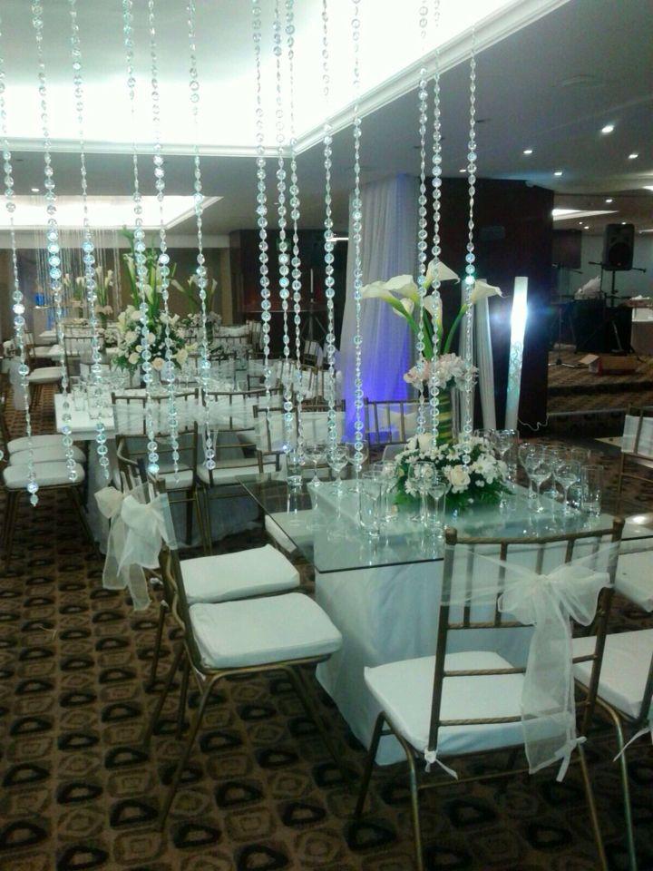 Decoraciones con cortinas de cristales y mesas de vidrio - Cristales para mesa ...