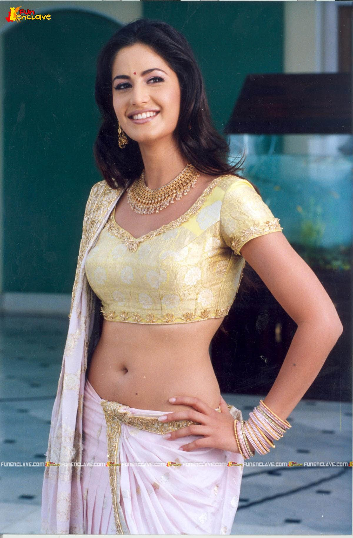 Katrina kaif navel show