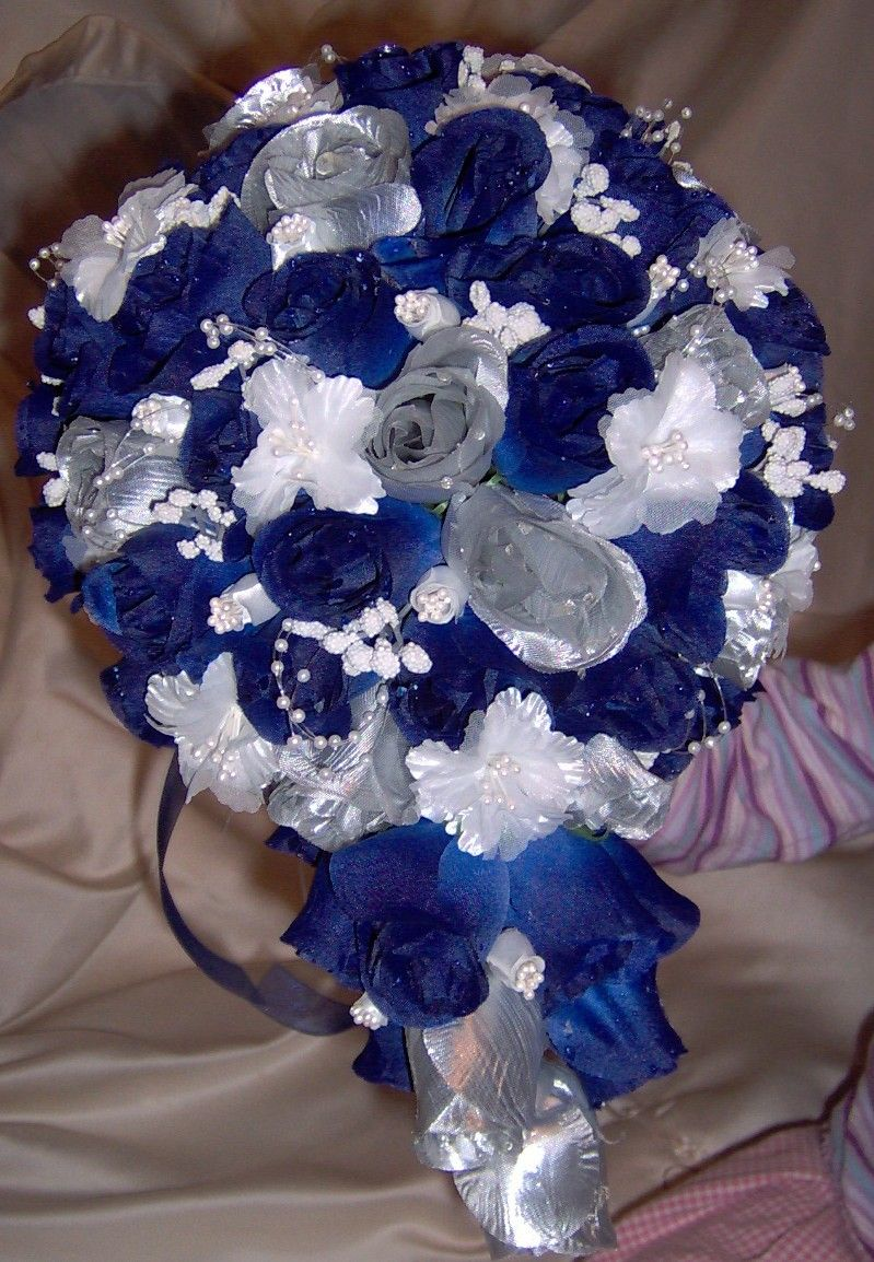 Who wants to make this for me??? :) Blue silver wedding bouquet ...