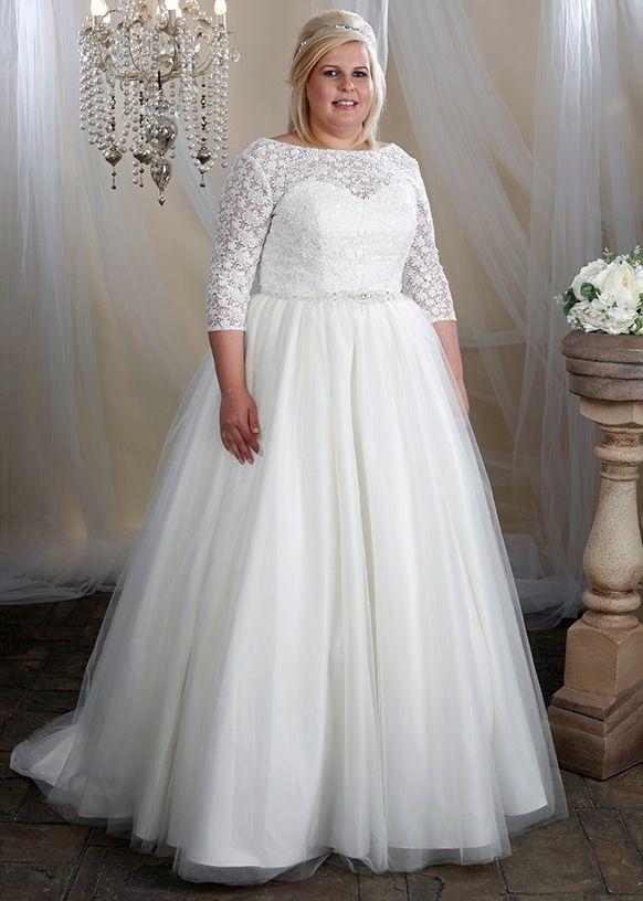 Dress style W340 by Hilary Morgan.