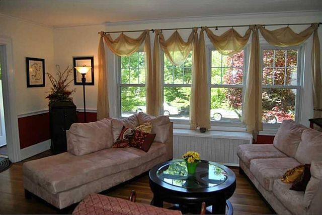 https://www.trulia.com/property/1059314200-125-W-36th-St-Erie-PA-16508