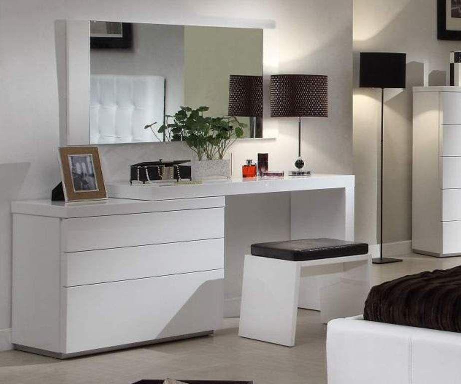 Ideen Kommode Mit Spiegel Ikea Kommode Mit Spiegel Ikea Durch Die Vielen Umgestaltungen Schlafzimmer Design Luxusschlafzimmer Luxus Schlafzimmer Design