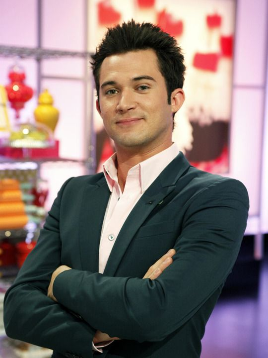 justin willman magician cupcake wars gives you a magic lesson and