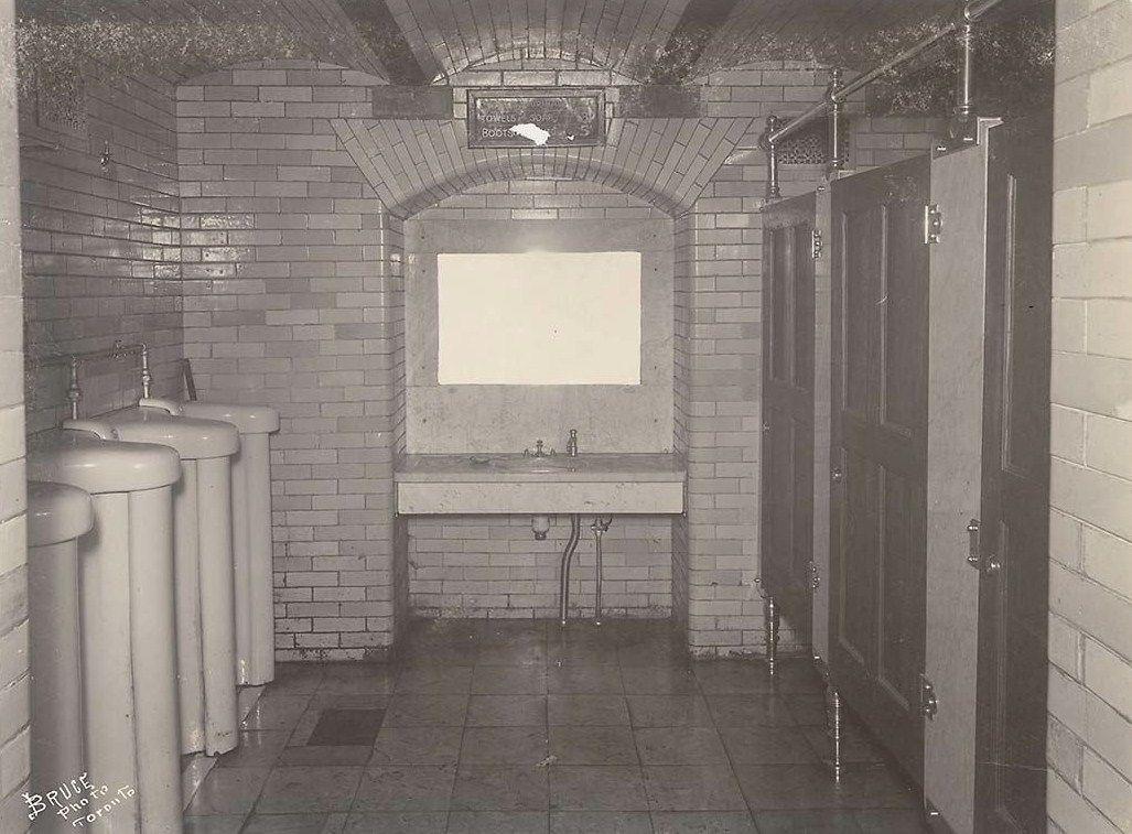 Old Style Public Bathroom Toilet Humor Public Bathrooms Best