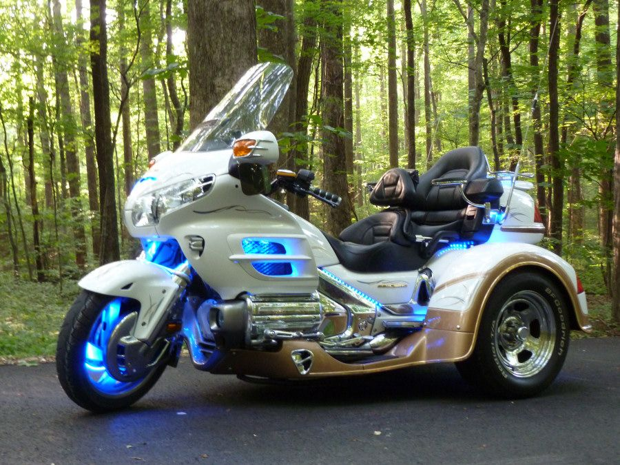 Honda Goldwing Trike Blue Neon Jpg 900 675 Pixels Touring
