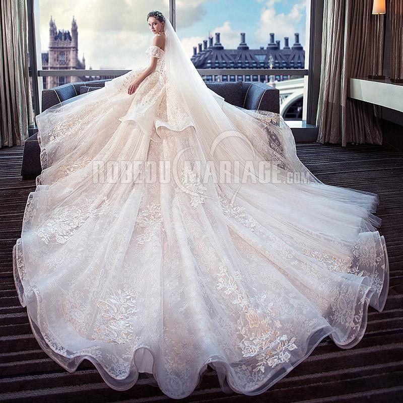 Robe de mairée princesse épaule dégagée robe