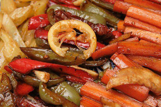 Das perfekte Antipasti 4 - Karottensticks, mediterran-Rezept mit einfacher Schritt-für-Schritt-Anleitung: Die Karotten schälen und in mundgerechte Stifte…