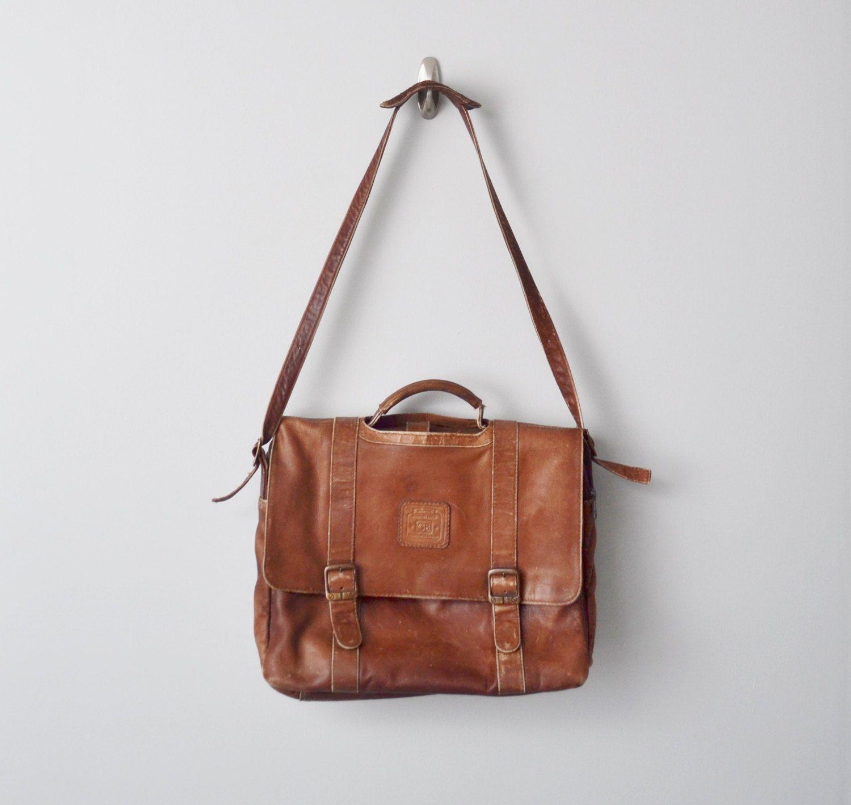 eee85e8b5590 Original Distressed Large Geoffrey Beene handcrafted leather messenger    laptop bag.  80.00