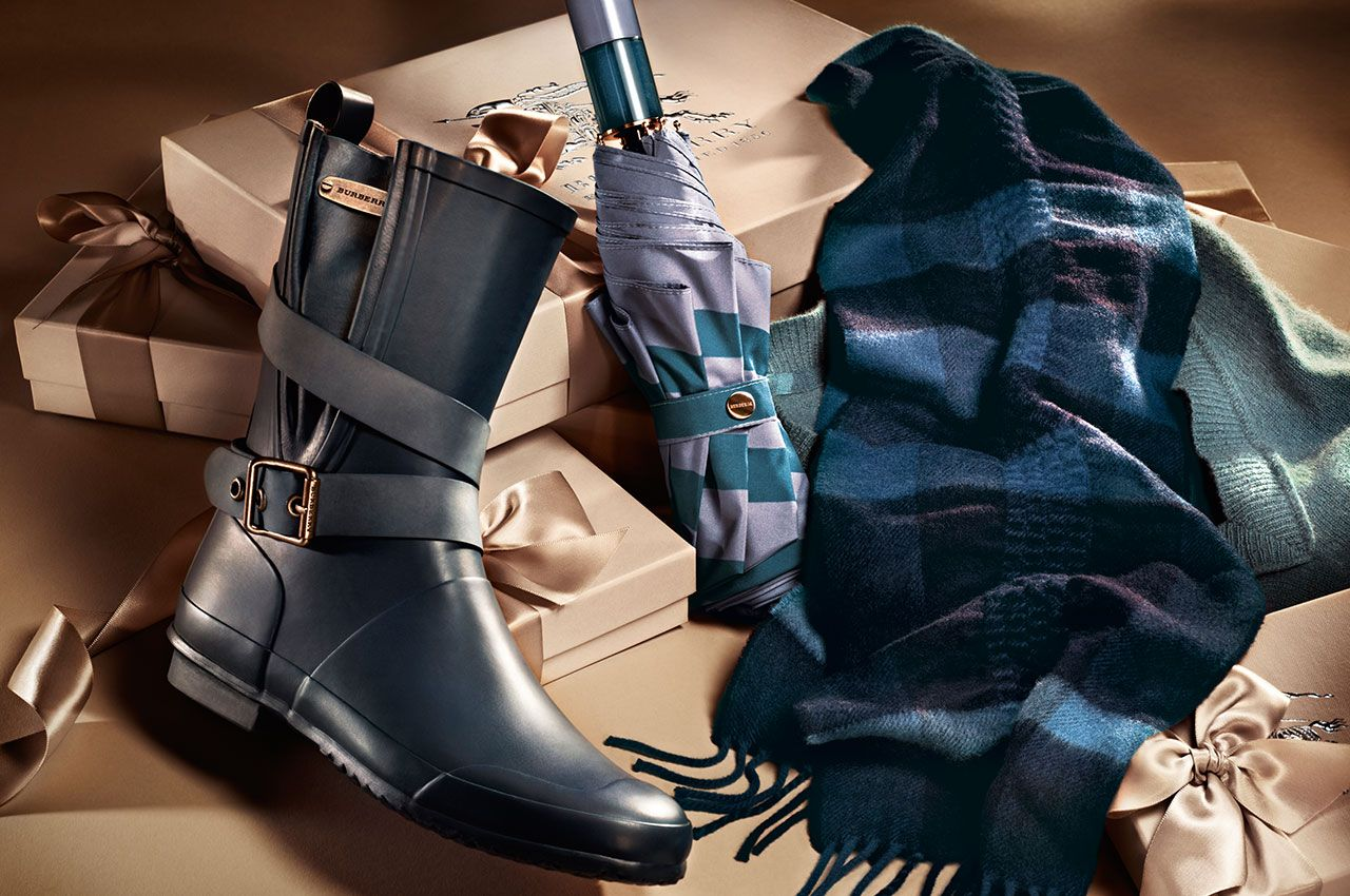 Watch Burberry Prorsum Holiday 2012 Accessories Collection video