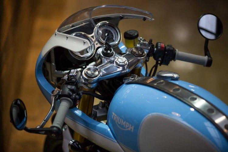 2016 Triumph Thruxton R by Standard Motorcycle Co. SMC Instrumentation