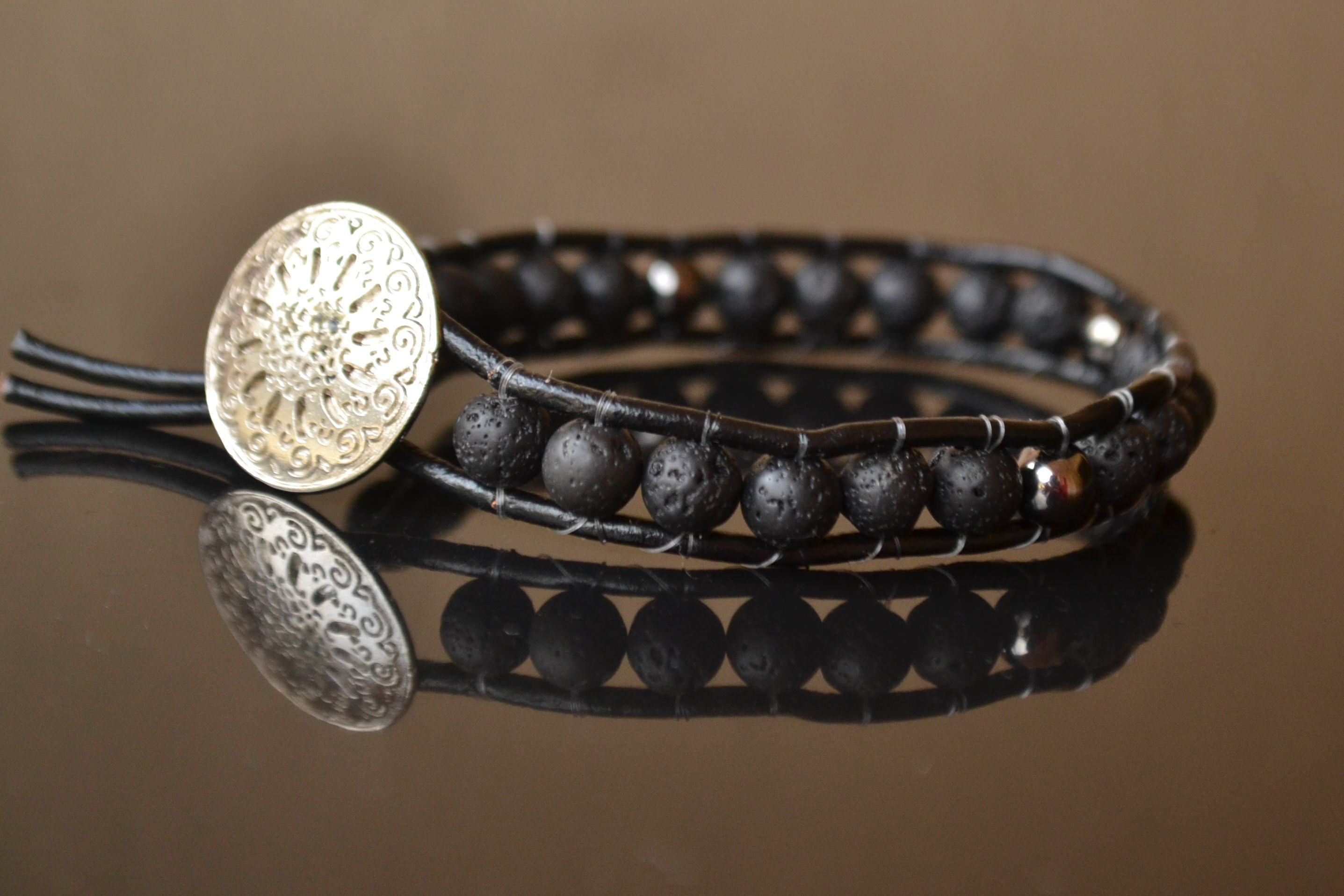 Bracelet black volcanic lava mm chan loo natural stones leather