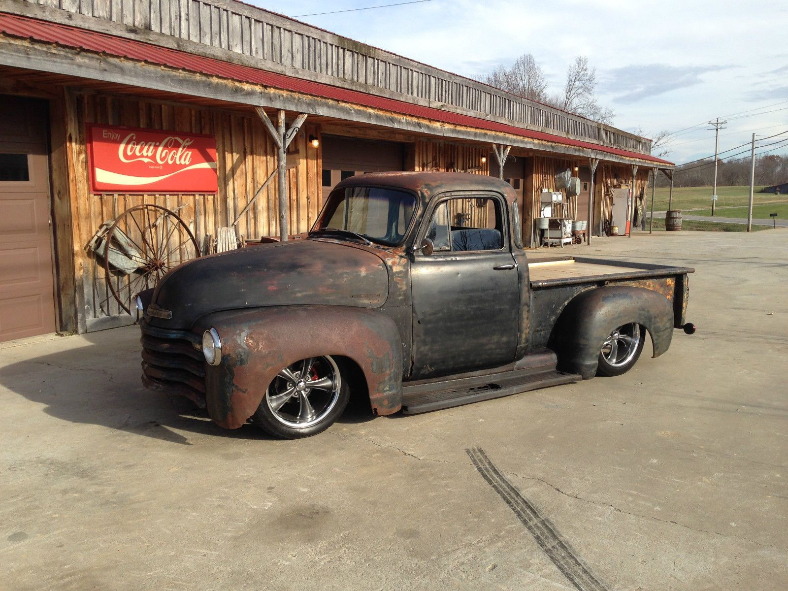 Pin By Rikky Rosario On Slammed Chevy Trucks 1952 Chevy Truck Chevy Pickup Trucks 54 Chevy Truck