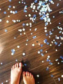 It's a boy! Confetti everywhere.